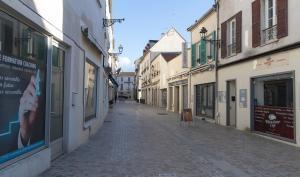 Les commerces fermés dans le centre-ville de Melun