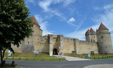 Entrée du château de Blandy-les-Tours